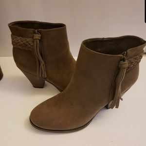 Mia Finnegan Suede high top ankle boots 8